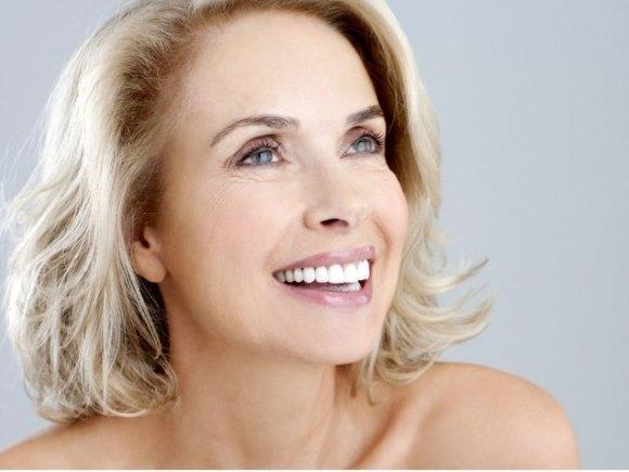 Женщина возрастом более 50 лет