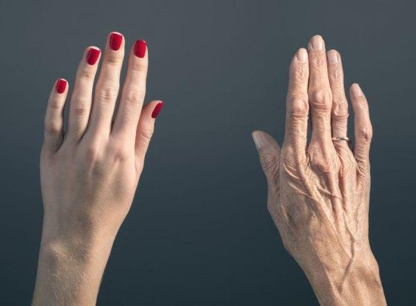 Молодая и стареющая рука