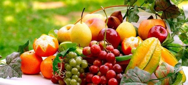 Фрукты и ягоды.