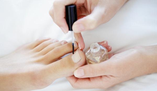 Список самых эффективных лаков от грибка ногтей на ногах