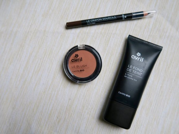 Средства для макияжа бровей