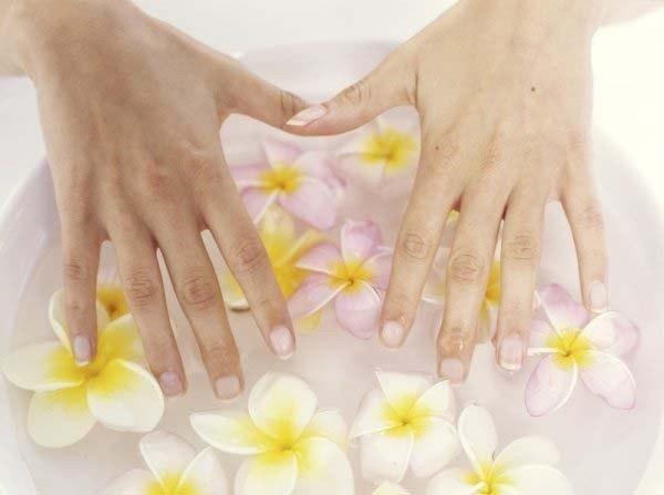 Продольные борозды на ногтях рук причины фото 25