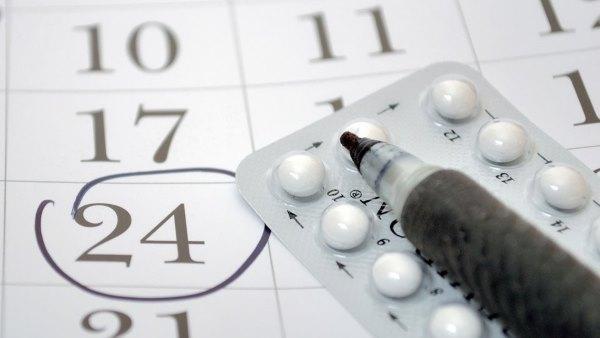 Календарь отметок и таблетки.