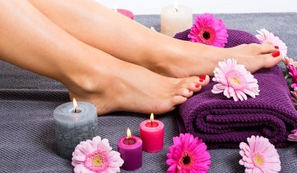 Причины и способы как убрать запах ног у женщины