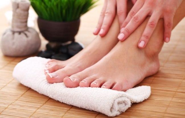 Причины сухости и шелушения кожи на ногах. Лечение кожи ног