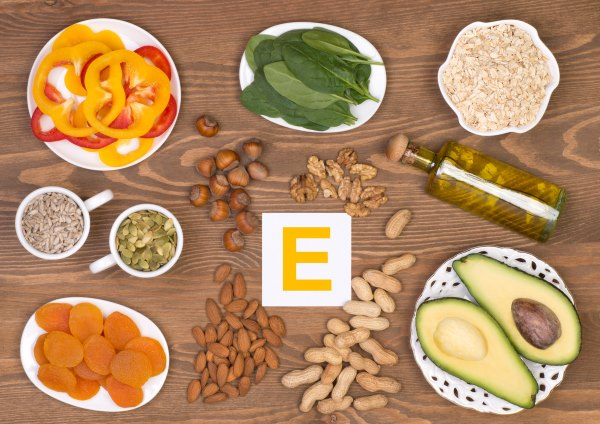 Сухость кожи тела причины и лечение витамины 40
