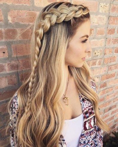 Образ с плетением косы на челке