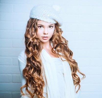 Красивые волосы девочка