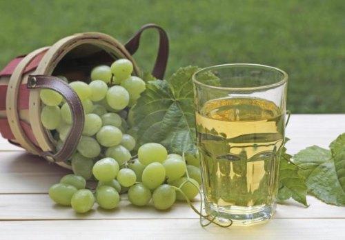 Виноградный сок - средство для осветления желтого оттенка
