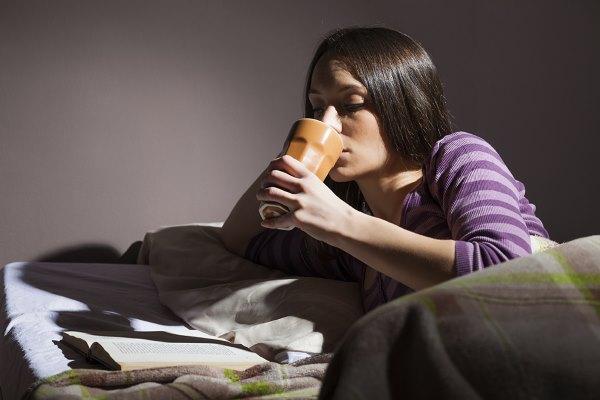 Перед сном можно выпить стакан кефира