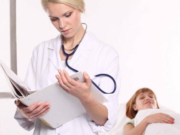 Девушка у гинеколога.