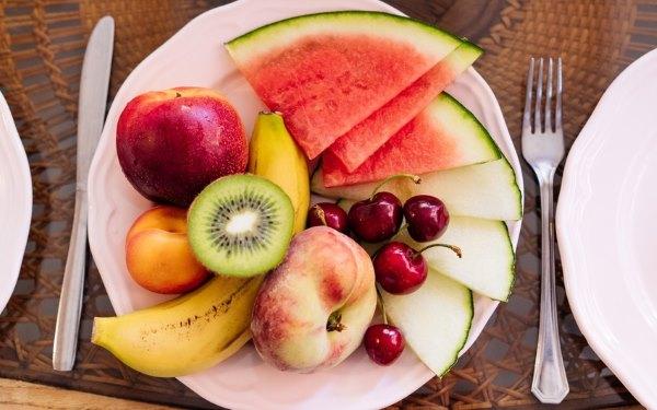 Порция диетических фруктов.