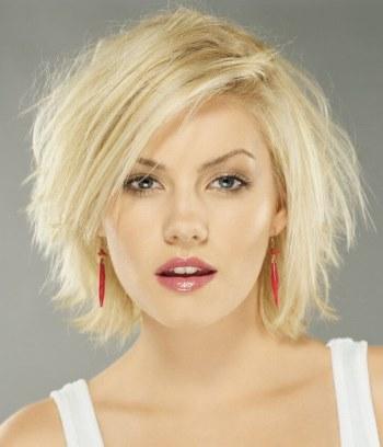 Стильные варианты стрижек на средние тонкие волосы, создающие объем