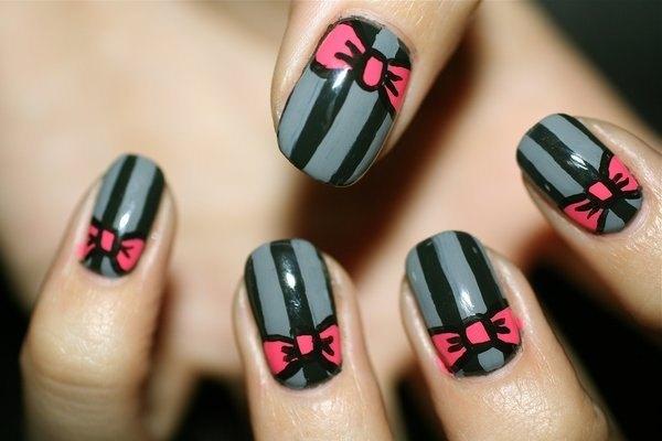 рисование кисточкой на ногтях