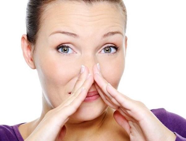 Как бороться с сухостью в носу и образованием корочек