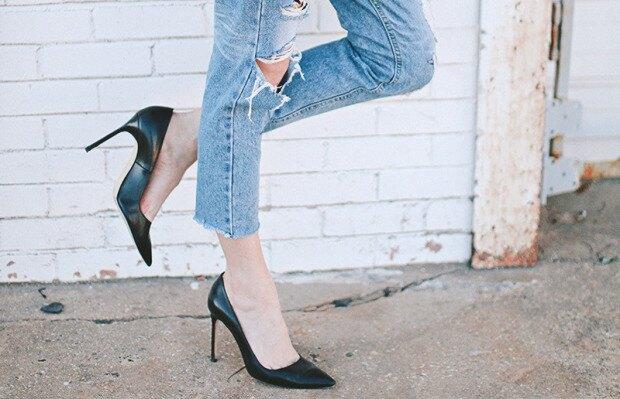туфли и джинсы