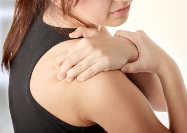 Ушиб плеча при падении (не поднимается рука). Как снять боль и воспаление