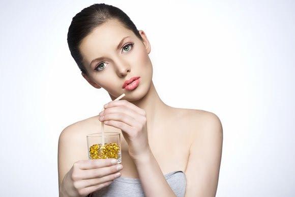 Увеличение губ гиалуроновой кислотой. Техника, последствия, цена, отзывы
