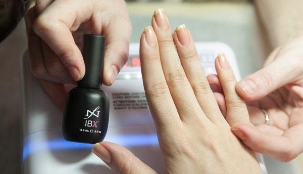 Лак для восстановления ногтей