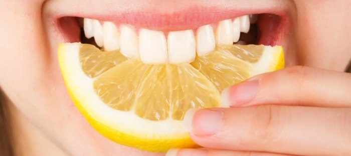 отбеливание зубов содой и солью