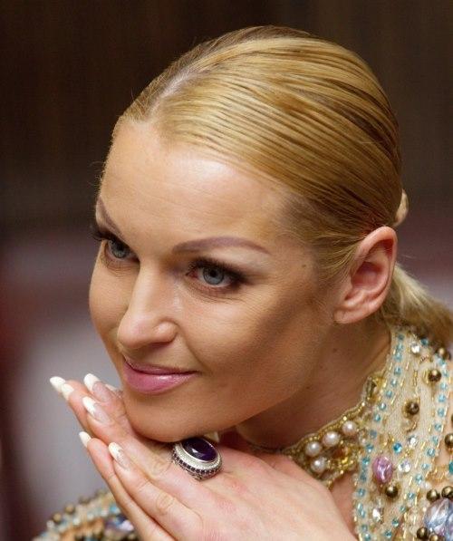 Перманентный макияж бровей у звезд шоубизнеса. Фото известных людей