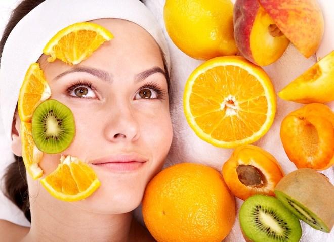Рецепты подтягивающих омолаживающих масок для лица и шеи