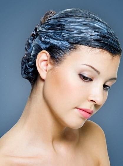Балаяж на темно-русые волосы с удлиненной, асимметричной, короткой челкой. Фото