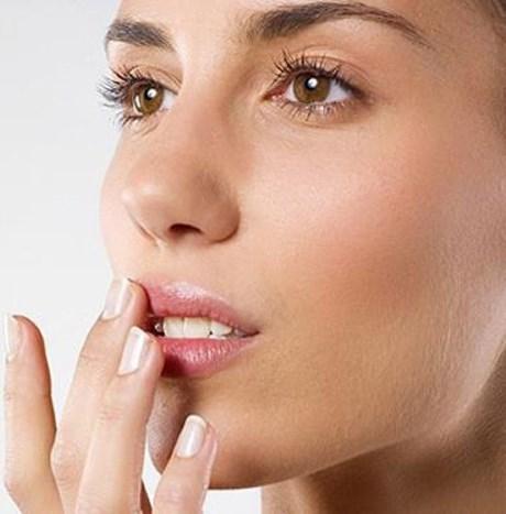 Чем быстро вылечить герпес на губе. Народные рецепты и медикаменты