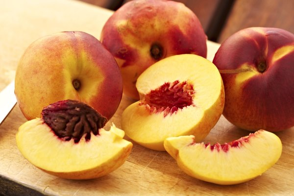 Персиковое масло для кожи лица от морщин. Правила применения. Отзывы