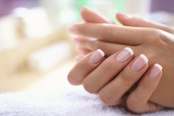 Причины, почему на руках желтые ногти. Как восстановить здоровый вид ногтей
