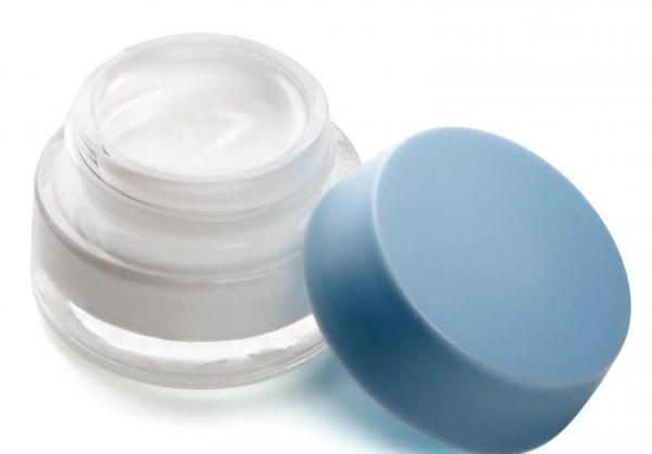 Причины шелушения кожи на лице у женщин. Оздоровление кожи лица в домашних условиях