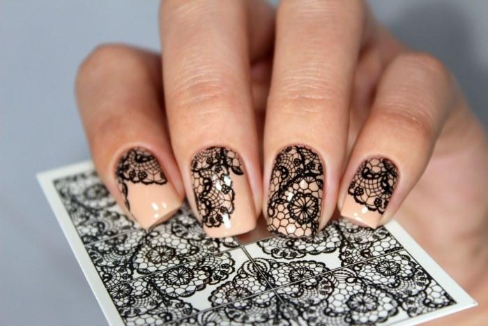 Нюдовый маникюр на коротких ногтях. Идеи модного дизайна, фото