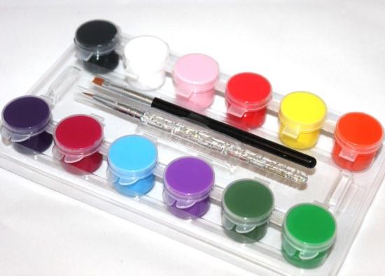 Яркие идеи шеллака френч (французского маникюра) для коротких ногтей