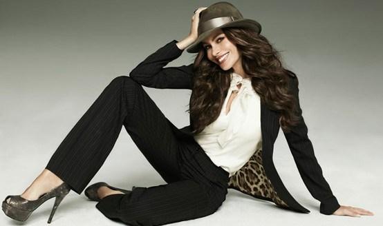 Стильный образ - рубашка и женские брюки (оверсайз). Сочетание одежды, фото