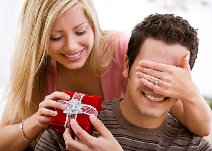 Что подарить мужу на день рождения оригинальное, недорогое, если у него все есть, подарок своими руками