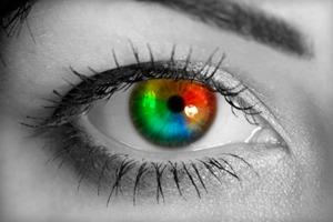 Цвет глаз и характер человека. Карие, голубые, зеленые, серые, темно синие глаза - характеристика обладателей и значение у женщин