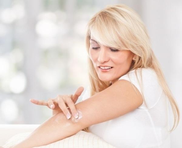 Масло жожоба. Свойства и применение в косметологии для лица, волос, ресниц, кожи тела, ногтей