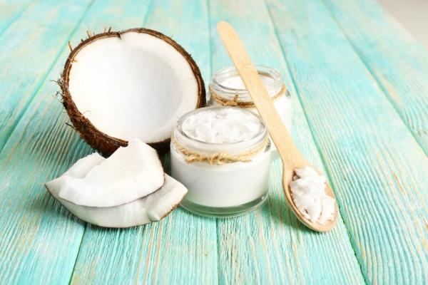 Кокосовое масло в косметологии для волос, лица, тела. Польза, свойства и применение, как хранить
