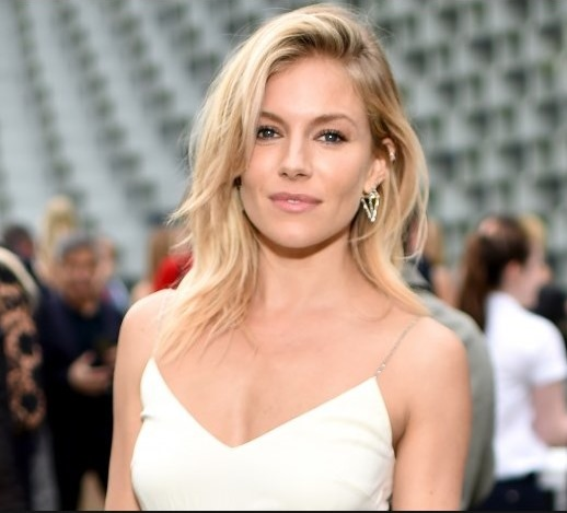 Американские актрисы. Список с фото: молодые, известные, блондинки, рыжие, брюнетки, популярные, знаменитые