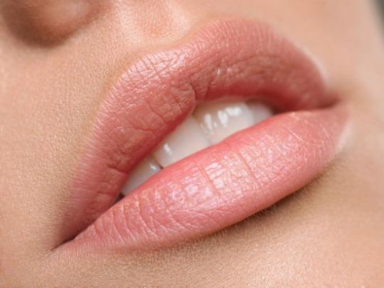 Плампер для губ. Что это такое, виды блеска, как пользоваться, цены