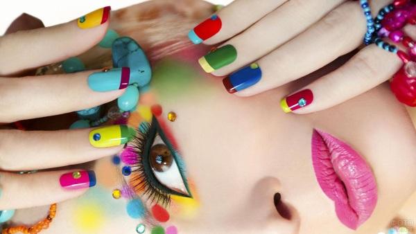 Стразы на ногтях. Фото, дизайн маникюра инкрустация, красивое расположение с рисунками