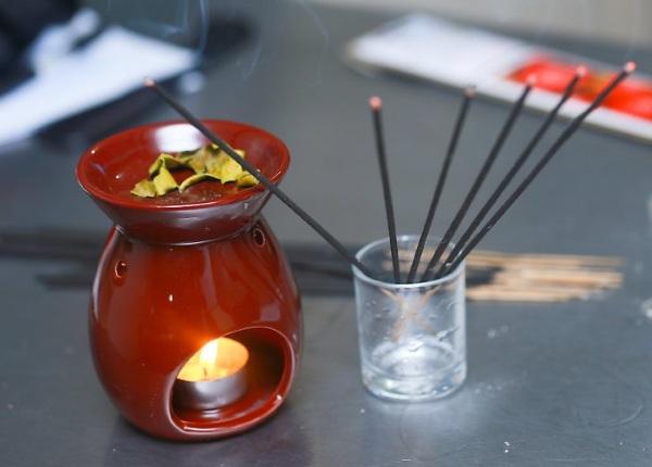 Ароматизированные палочки для дома с жидкостью. Какие лучше, как пользоваться