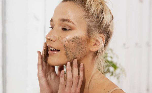 Касторовое масло. Польза, рецепты применения в косметологии от пигментации кожи, морщин лица, волос