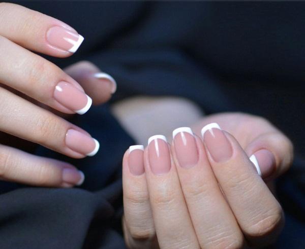 Маникюр френч на короткие ногти. Фото дизайн гель-лаком, шеллак. Модные тенденции 2019