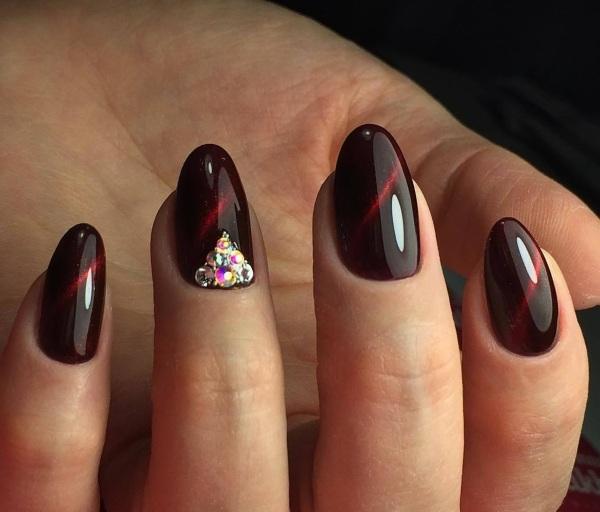 Цвет Марсала на ногтях в маникюре. Фото, таблица сочетания, дизайны