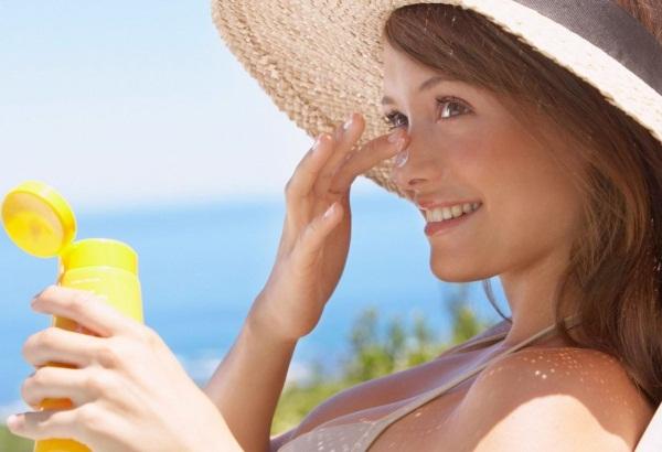 Тональные кремы для сухой, чувствительной кожи лица, увлажняющие. Отзывы